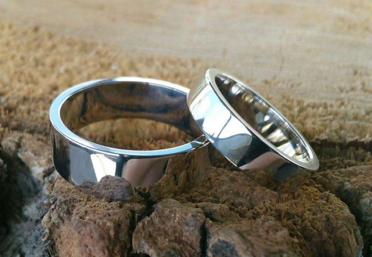 Какие бывают свадебные кольца из белого золота