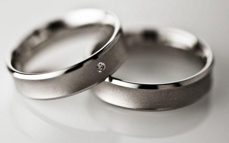 Модели обручальных колец из платины, их формы и цена