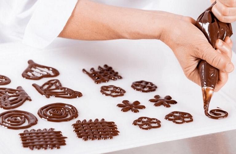 Популярные украшения из шоколада