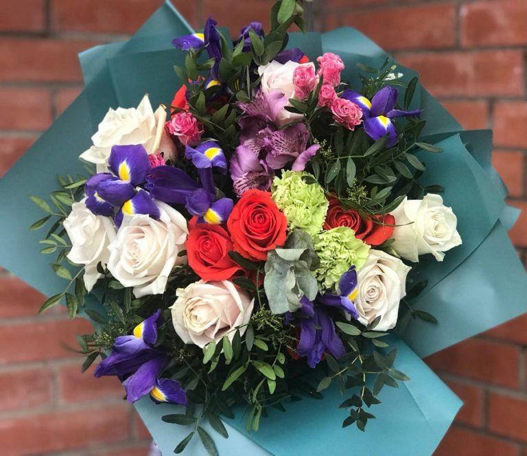Преимущества покупки букета цветов с доставкой