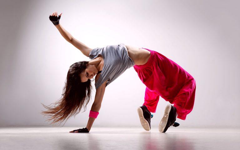 Как научиться танцевать современные танцы